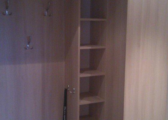 Rekonstrukce:jádra,chodby,kuchyně