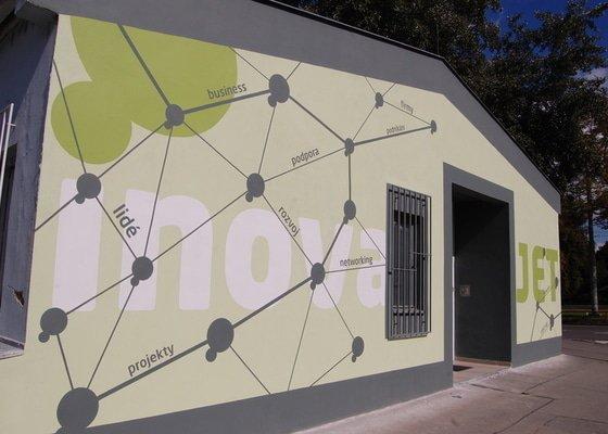 Malování fasády dle grafického návrhu - Inkubátor ČVUT