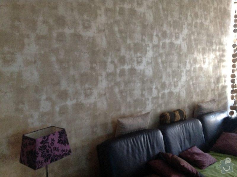 Tapetování (1 stěna), sádrokartonový kryt na rouru od digestoře, výmalba (1 stěna): IMG_0104