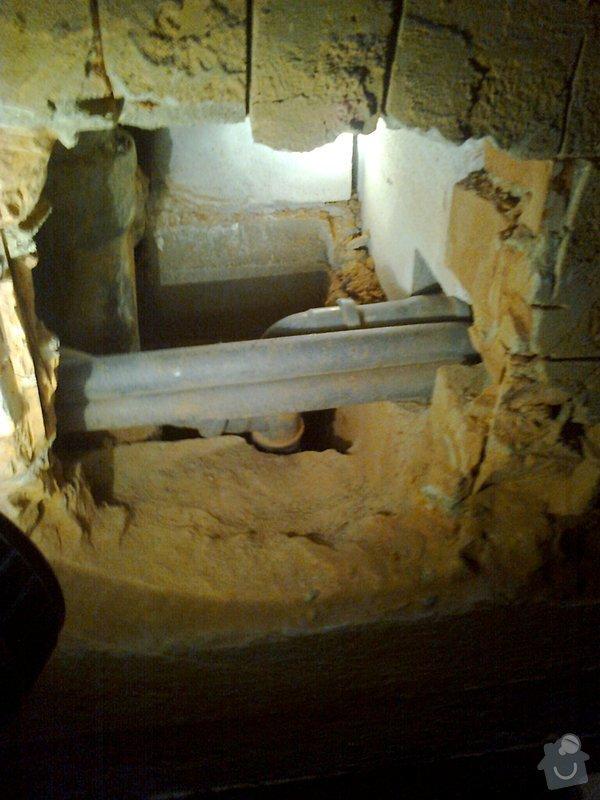 Oprava připojení odpadu z vany na litinovou stupačku: Fotografie0148_1_