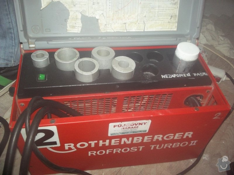 Topenářské práce s radiátorem: Topeni4