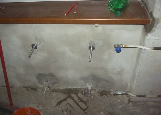Topenářské práce s radiátorem