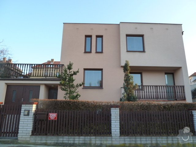 Zastřešení terasy, vyzdění obvodových soklů u terasy a 2 balkónů: P1030891