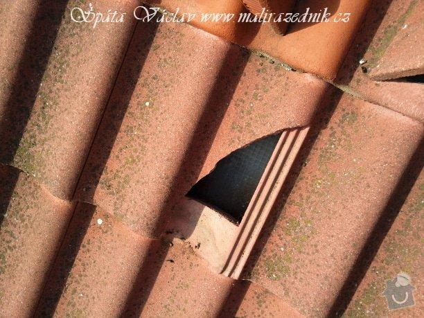Oprava střechy a děravého žlabu pomocí horolezecké techniky: Fotografie073