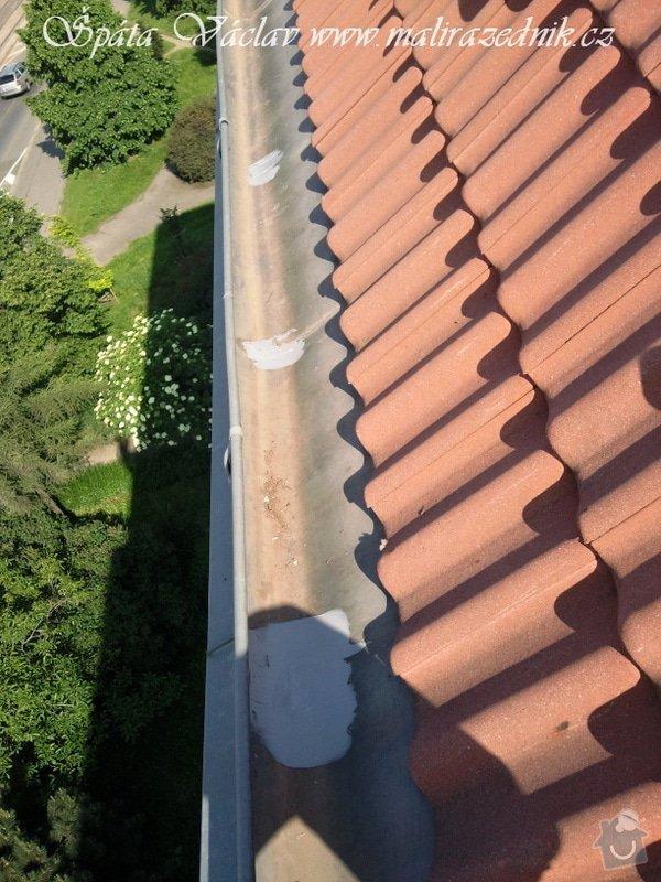 Oprava střechy a děravého žlabu pomocí horolezecké techniky: Fotografie077