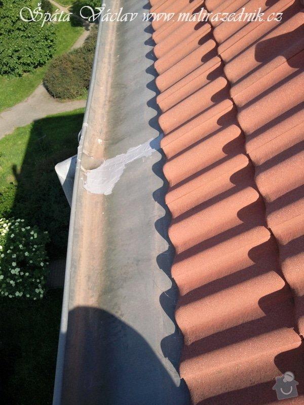 Oprava střechy a děravého žlabu pomocí horolezecké techniky: Fotografie079