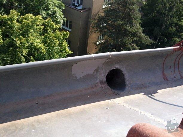 Oprava střechy a děravého žlabu pomocí horolezecké techniky: Fotografie081