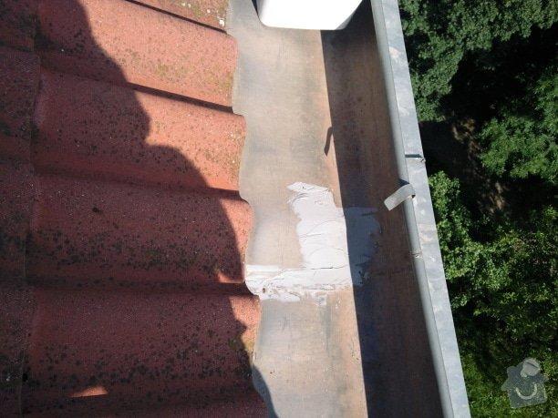 Oprava střechy a děravého žlabu pomocí horolezecké techniky: Fotografie086