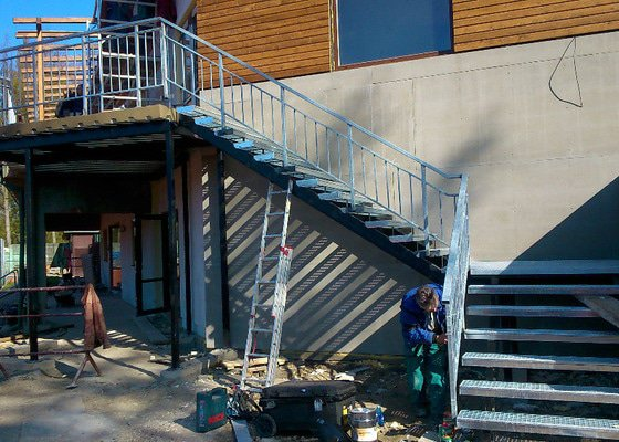 Výroba schodiště a zábradlí.