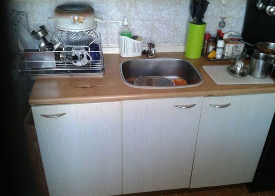 Výměna kuchyňské pracovní desky (vč. návazných instal. prací)