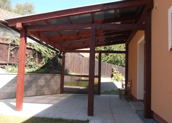 Pergola s polykarb. střechou