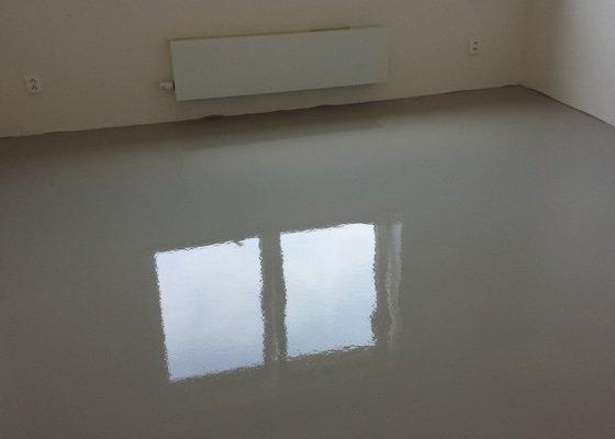 Pokládka lepené vinylové podlahy + úprava podkladu