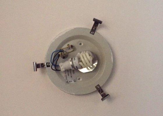 Kontrola–oprava elektroinstalace (světlo v chodbě)