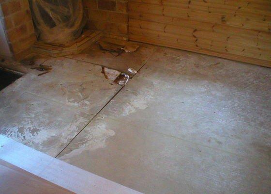 Oprava plovouci podlahy cca 16m2