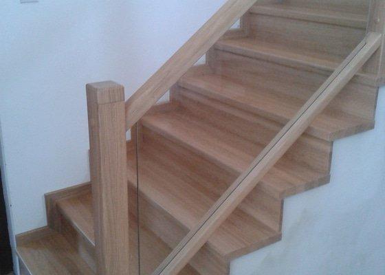 Obložení schodiště dřevem