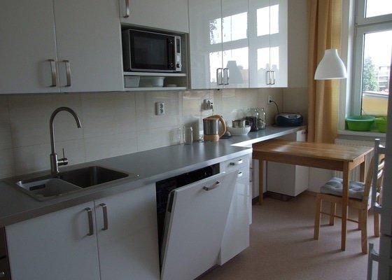Kompletace kuchyně IKEA, včetně připojení spotřebičů.