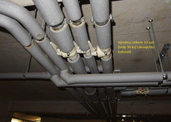 Výměna ventilů na stoupačkách v bytovém domě