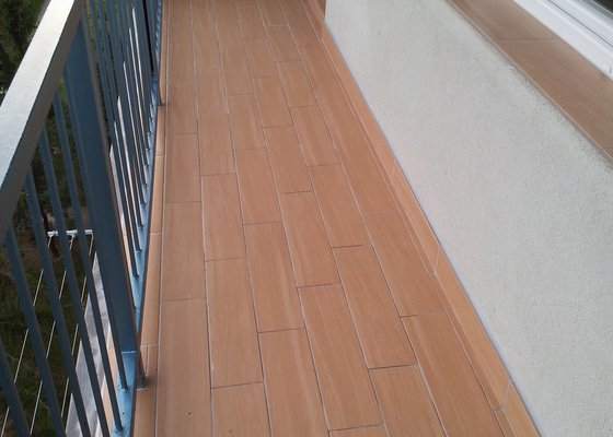Pokládka dlažby na balkoně 7 m2