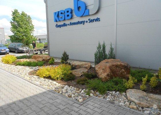 Výsadba zeleně v areálu ABO valve + Úpravy kolem vstupu do administrativní budovy  firmy AQUA INDUSTRIAL.