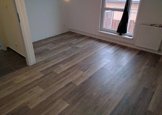 Pokládka vynilové podlahy 43m2