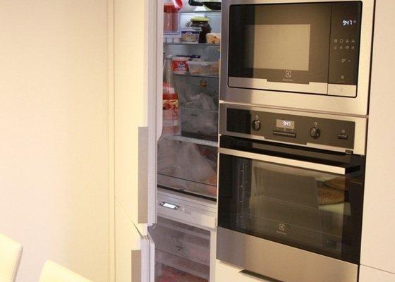 Kuchyňská linka včetně spotřebičů