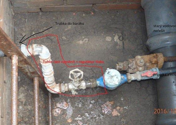 Instalace regulátoru tlaku v šachtě + výměna cca 0,5m vedení