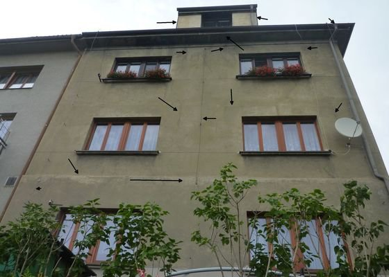 Oprava okapu, drobné opravy fasády (výšková práce)