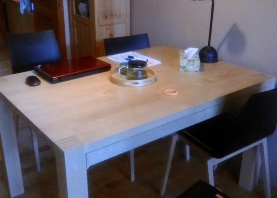 Úprava masivního jídelního stolu