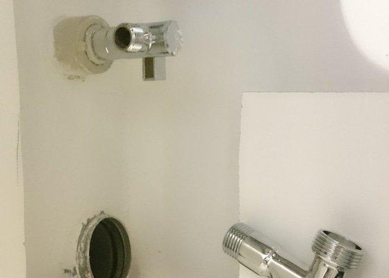 Zapojení dřezu/baterie a myčky na odpad a vodu
