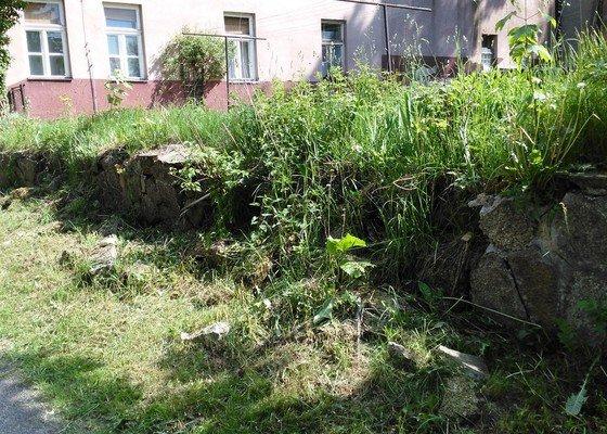 12m opěrná zeď