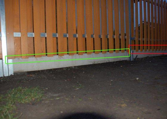 Vystavba plotu