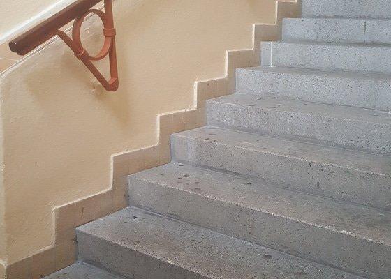 Kolejnice na schody pro kočárek