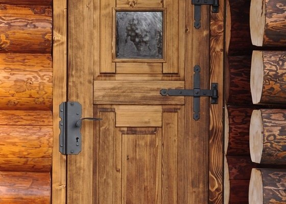 Výroba dřevěných dveří a zárubní v masivním provedení do srubu