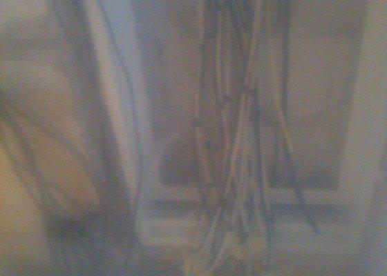 Rekonstrukce, elektrické vytápění, okna, organizace řemesel