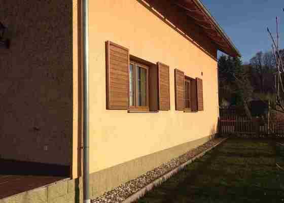 Stavební činnost-oprava terasy a části fasády RD, výměnu plast.dveří-Děčín, Janov