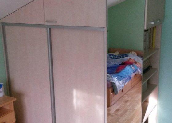 Vestavná skříň do pokojíku