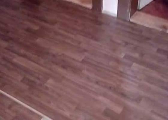 Odvoz staré sedačky+pokládka plovoucí podlahy 15 m2