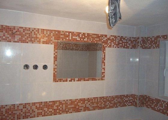 Osazení vany + mozaikový obklad