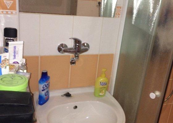 Výměna sprchového koutu, umyvadla a galerky
