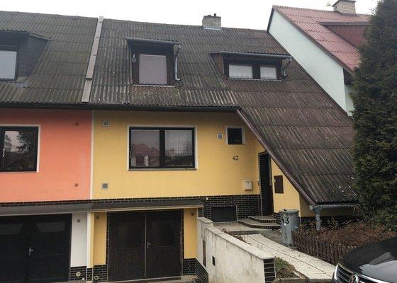 Rekonstrukce (interiér + exteriér + střecha) a kompletní zateplení (stropy, obv. stěny, podlahy) řadového domu