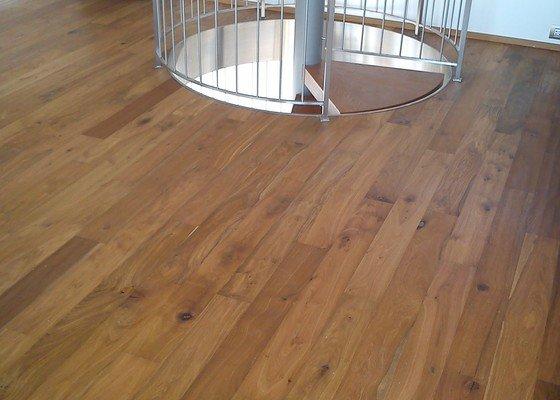 Dodání a pokládka dřevěné podlahy