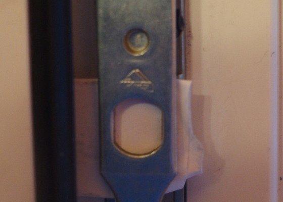 Oprava (seřízení)  plast.  balkonových dveří VEKRA