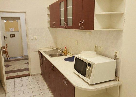 Oprava kuchyňské linky - deska+dvířka