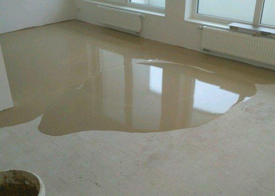 Pokládka vinylové podlahy 41 m2