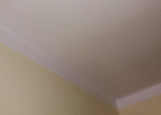 Oprava stropu a vymalování obýváku 21 m2