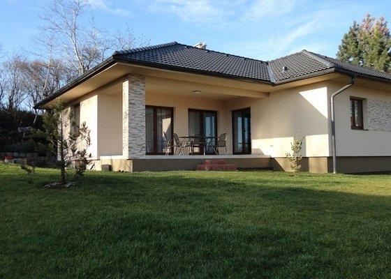 Přízemní dům ve svahu, Sedlec