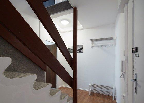 Rekonstrukce dvou patrového bytu - Praha, Nové Butovice