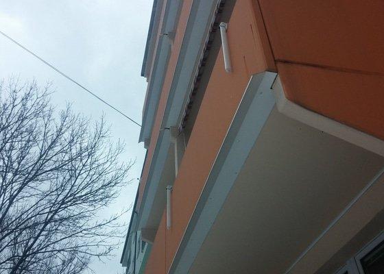 Balkónové okapy