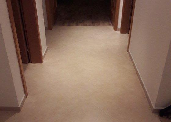 Výměna plovoucí podlahy a renovace koupelny, malování