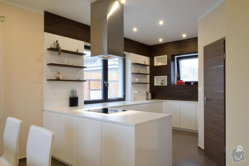 Kuchyně bez horních skříní s rohovým vařením, Zruč: DSC_0510
